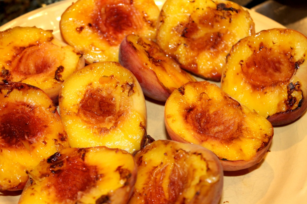 GrilledPeaches02